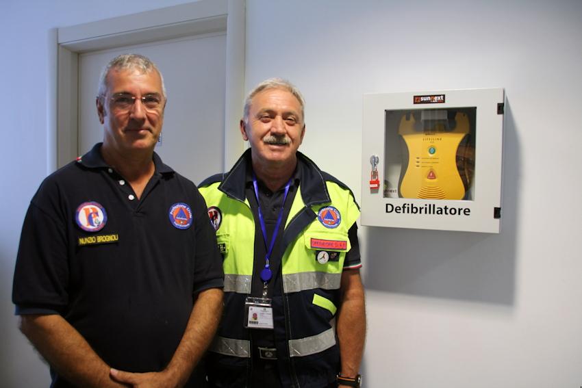 Consegnato un nuovo defibrillatore alla Polizia Locale