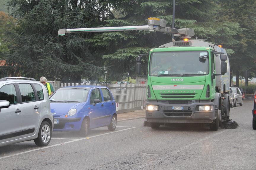 Raccolta rifiuti e pulizia strade, AMSA promossa dai cittadini