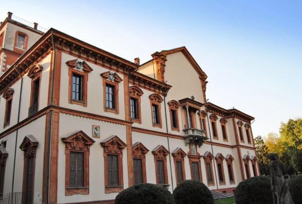 Arriva la Polizia Ambientale e trova casa in Villa Ghirlanda a Cinisello