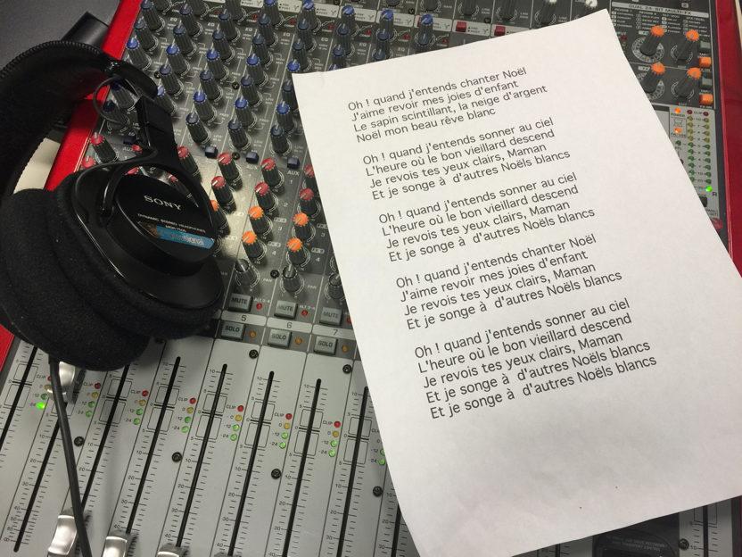 I ragazzi della media Leopardi cantano Noel Blanc: auguri ai segratesi e solidarietà a Parigi