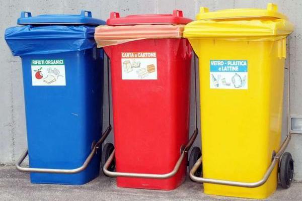 In pensione da settembre i grossi cassonetti porta rifiuti