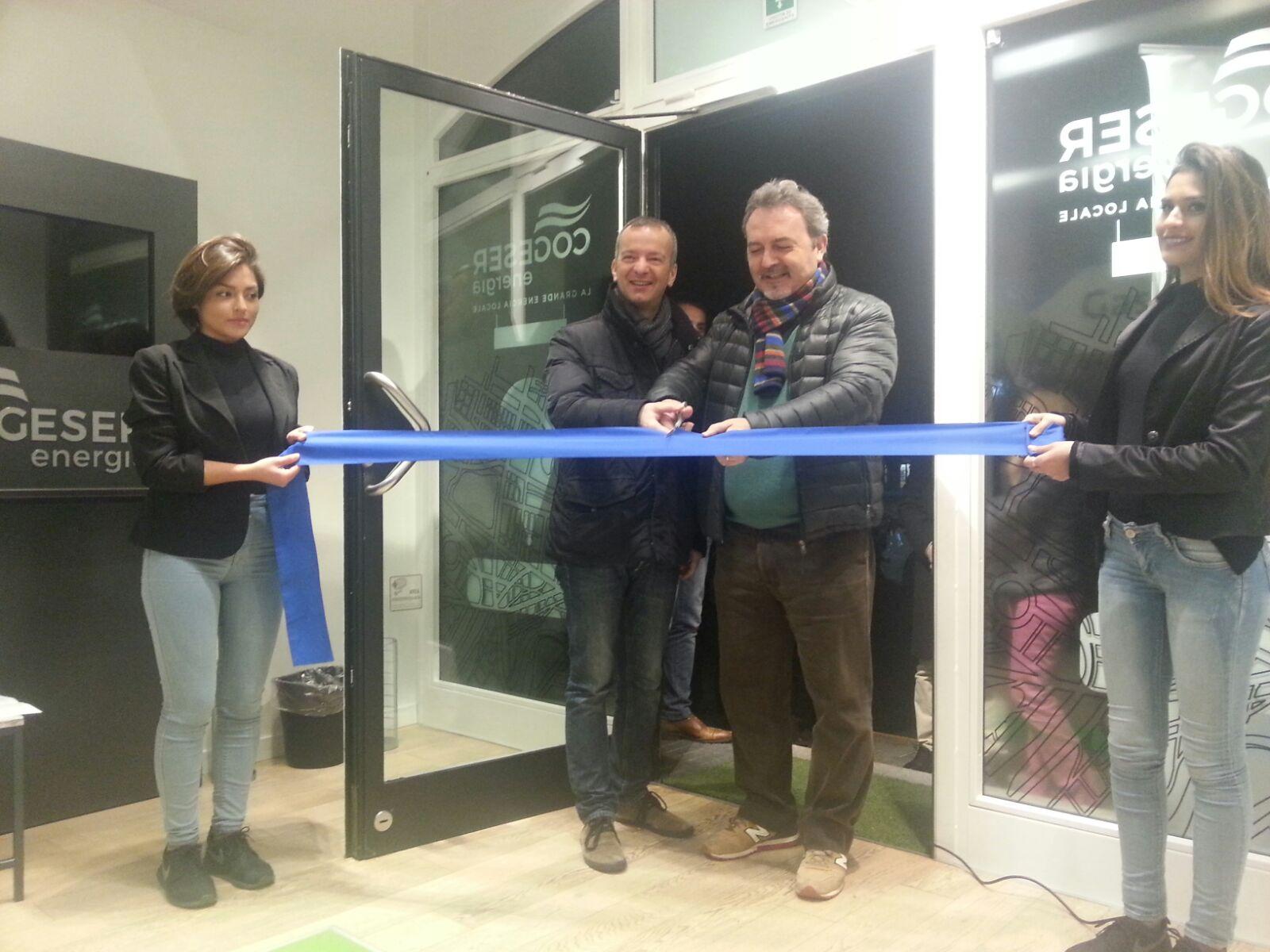 Inaugurazione in diretta radio per il nuovo Cogeser point di Cernusco