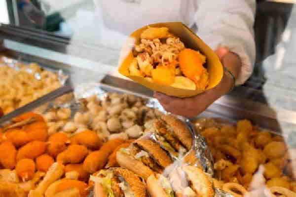 Alimentare: +10% in un anno grazie ad asporto e street food