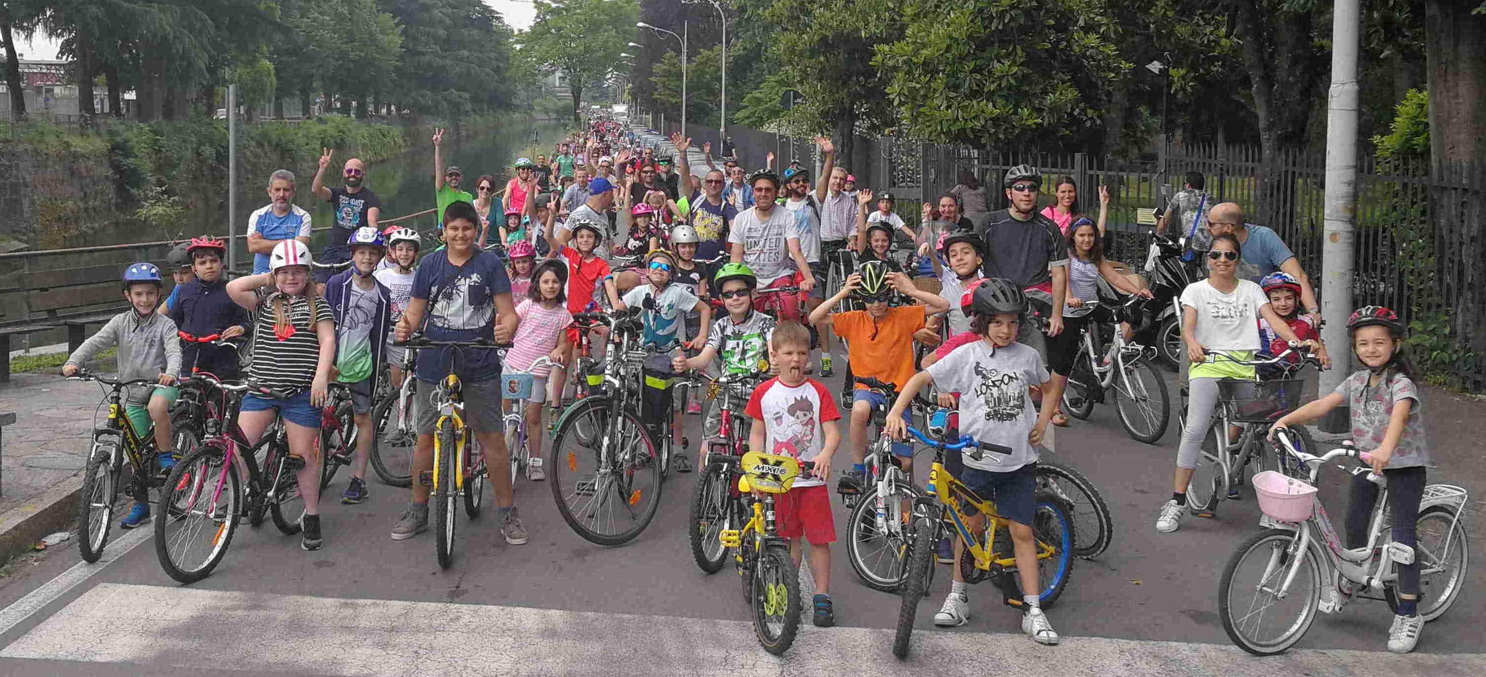La carica dei bimbi in bici: una grande festa per le famiglie