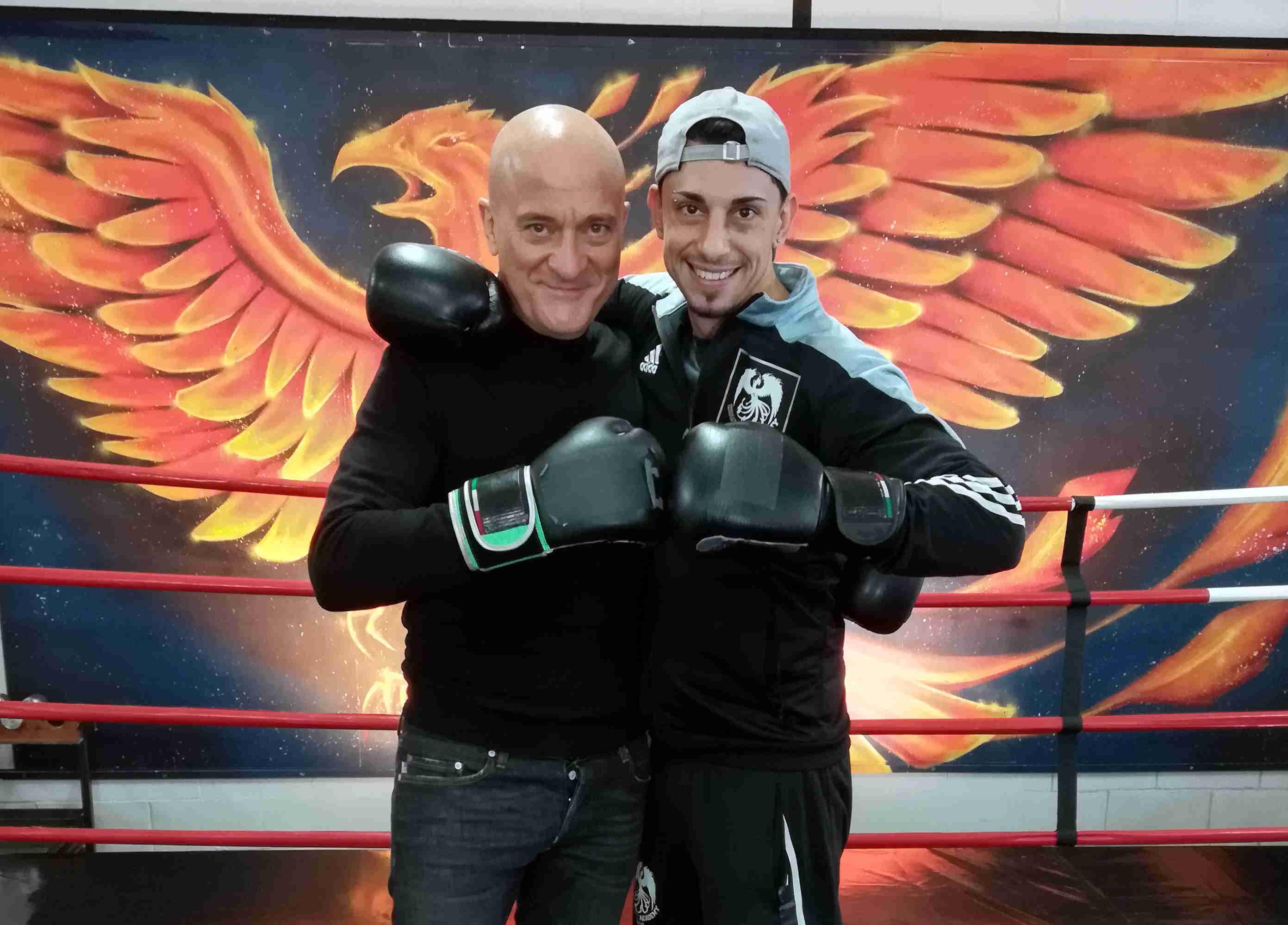 Claudio Bisio porta la grande comicità sul ring della Kombat Academy