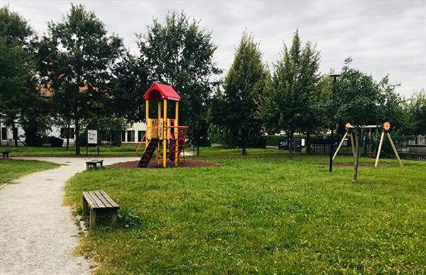 Entro la fine dell'anno un parco giochi inclusivo in piazza Bach