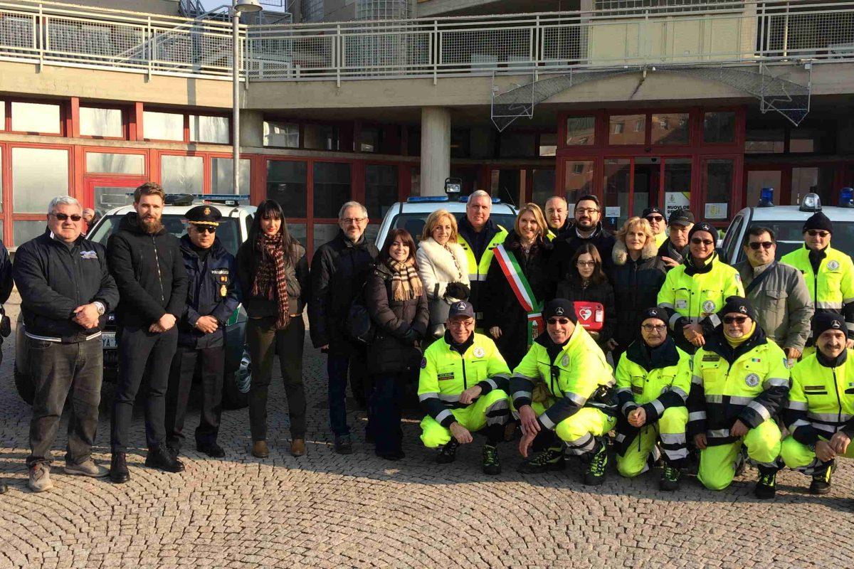 Protezione Civile: consegnati un nuovo pickup e un defibrillatore