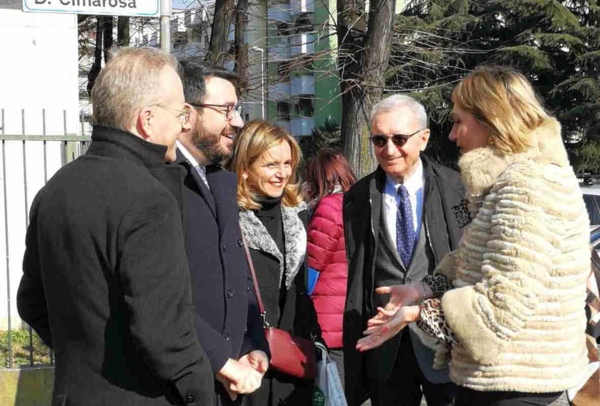 La sindaca Ivonne Cosciotti accompagna il Prefetto Renato Saccone in visita al Satellite