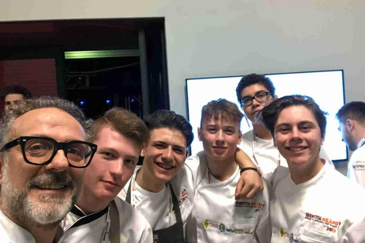 A scuola con gli chef stellati: gli allievi del Mazzini protagonisti alla rassegna milanese Identità Golose