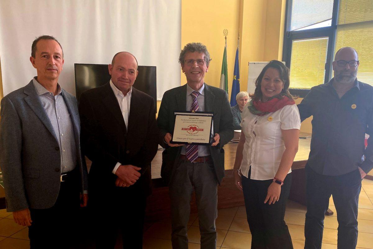 BCC Milano dona un defibrillatore alle scuole di Bellinzago nell'ambito del progetto OBIETTIVO SORRISO