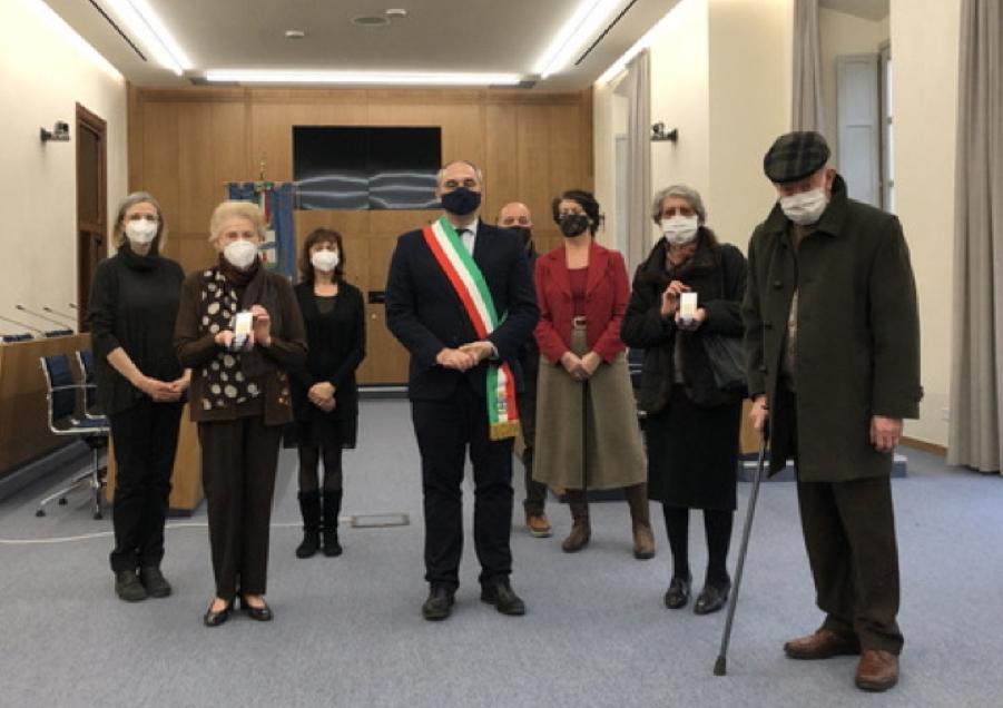 Il Sindaco consegna le Medaglia d'Onore alle famiglie di Mario Balconi e Adelchi Lanterna