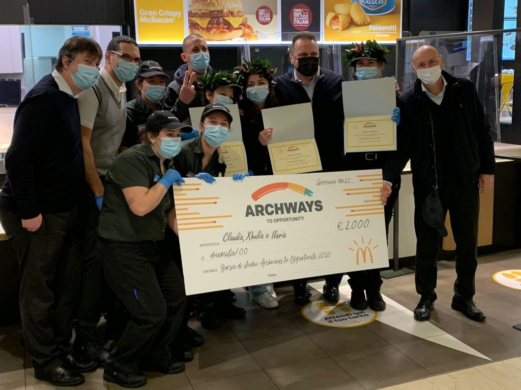 Archways to Opportunity: nei ristoranti McDonald's di Sesto San Giovanni premiati con una borsa di studio 4 Collaboratori
