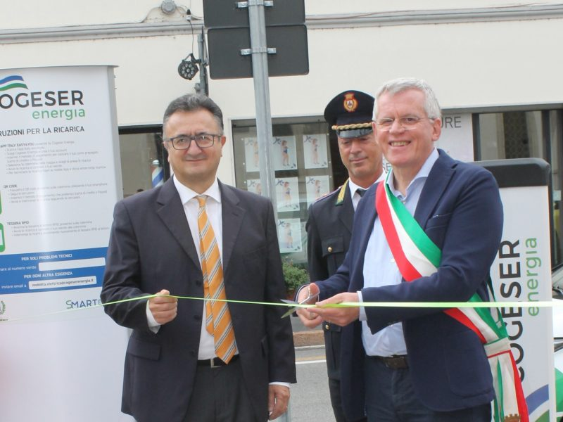 A Gorgonzola inaugurata un'altra colonnina di ricarica elettrica targata Cogeser Energia